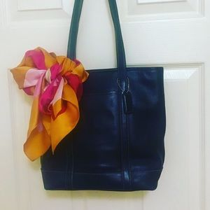 PERFECT Coach leather small tote w/ Benneton scarf